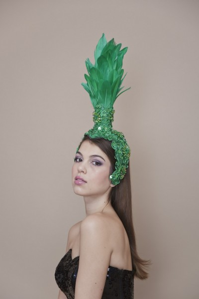 Pointed Goose Head Piece