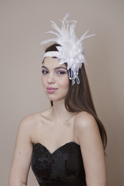Sequined hair band with flower